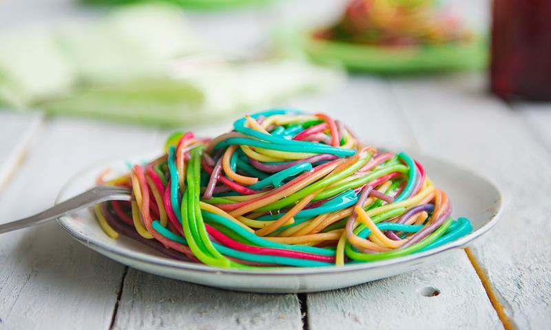 7fd4c29e Med denne pastaen kan du spise regnbuen til middag