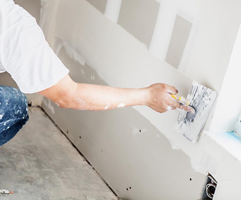 Oppussing av stue, gipsplater på vegg? Type kabler?