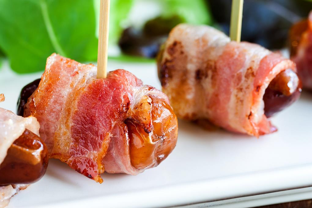 dadler med bacon i ovn